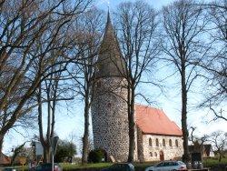 klein-feldsteinkirche-519805_original_R_by_Anne Bermüller_pixelio.de